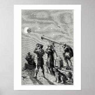 Gente que mira un eclipse solar impresiones