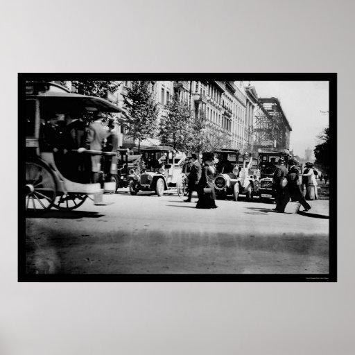 Gente y tráfico en Berlín, Alemania 1913 Póster