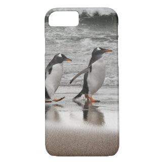 Gentoos on the beach iPhone 8/7 case