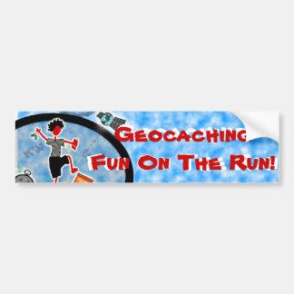 Geocache sale y juega etiqueta de parachoque
