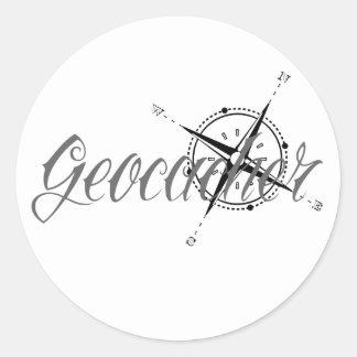 Geocacher con el compás pegatina redonda