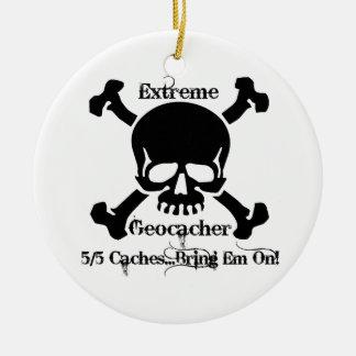 Geocacher extremo adorno navideño redondo de cerámica