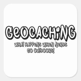 Geocaching, qué sucede cuando van los empollones pegatina cuadrada