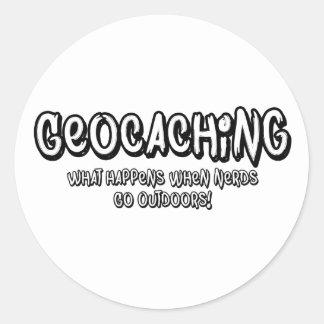 Geocaching, qué sucede cuando van los empollones pegatina redonda