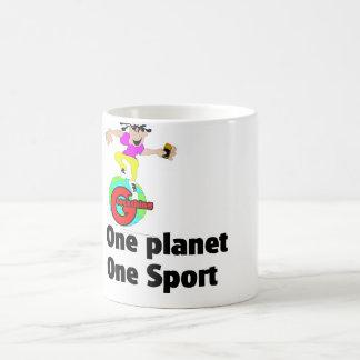 Geocaching un deporte del planeta uno taza básica blanca