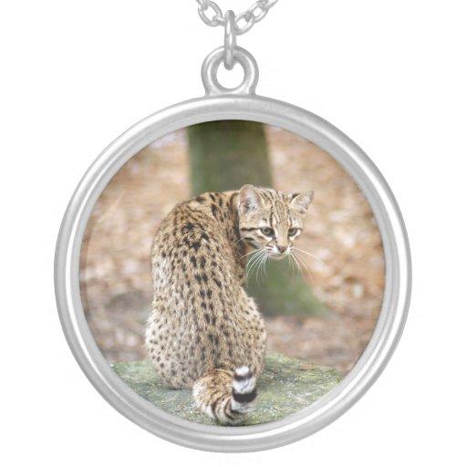 geoffroy-cat-004 round pendant necklace