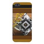 Geometría en caso del iPhone 4 del amarillo y del  iPhone 5 Protectores