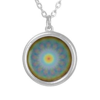 Geometría sagrada de la mandala - 13 arco iris collar plateado