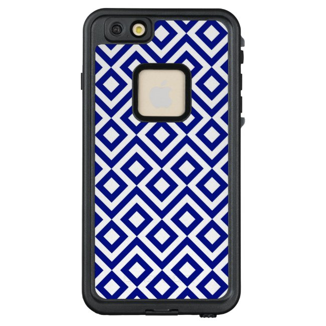 Geometric Blue and White Meander Pattern