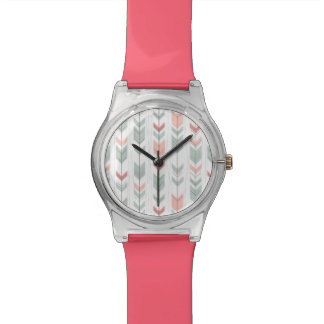 Geometric pattern in retro style wristwatch