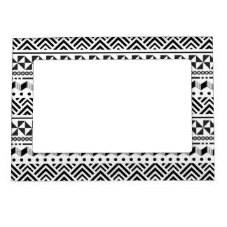 Geométrico azteca moderno blanco del negro tribal marcos magnéticos para fotos