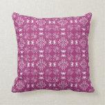 Geométrico color de rosa y blanco medio almohada