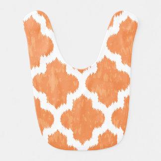Geométrico moderno clásico anaranjado de Ikat Quat Baberos Para Bebé