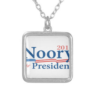 George Noory 2016 Collar Plateado