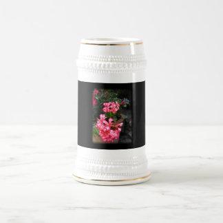 Geranios. Flores del Pelargonium Tazas