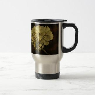 Geranium Flower Texture Travel Mug
