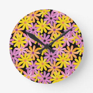 Gerbera flowers pattern, background round wall clock