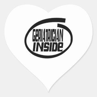 Geriatrician dentro pegatina de corazón
