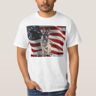 German shepherd usa - patriotic dog - usa flag T-Shirt