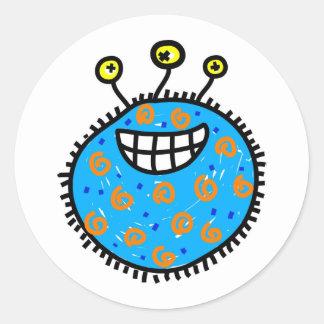 Germen azul del dibujo animado pegatina redonda