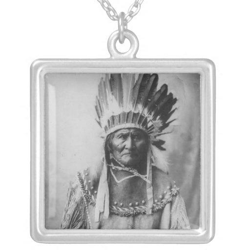 'Geronimo con los tocados Colgante