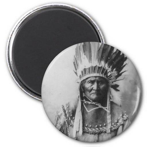 'Geronimo con los tocados Imanes