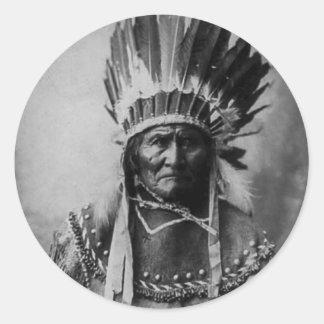 Geronimo en el vestido principal pegatina redonda