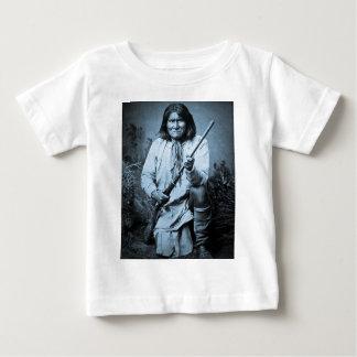Geronimo with Rifle 1886 T Shirts