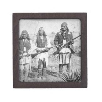 Geronimo y tres de sus guerreros de Apache, 1886 ( Caja De Recuerdo De Calidad
