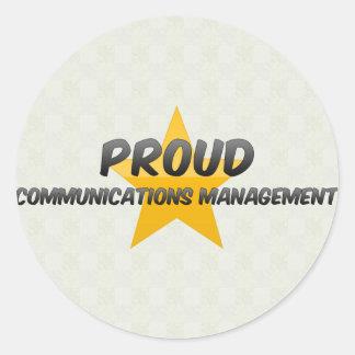 Gestión de comunicaciones orgullosa etiqueta