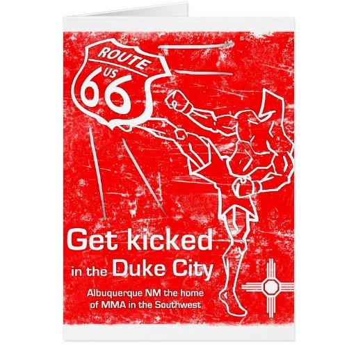 ¡Get golpeó adentro la ciudad del duque con el pie Tarjetón
