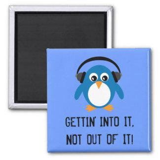 GETTING EN ÉL imán azul del pingüino