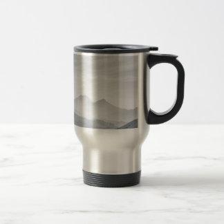 Ghats del sur en blanco y negro taza de viaje