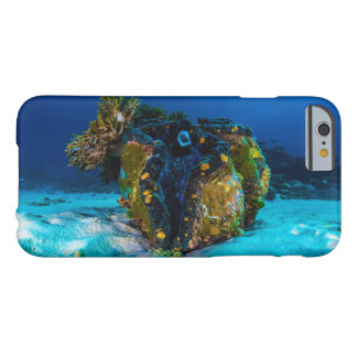 Giant Clam on the Great Barrier Reef Barely There iPhone 6 Case