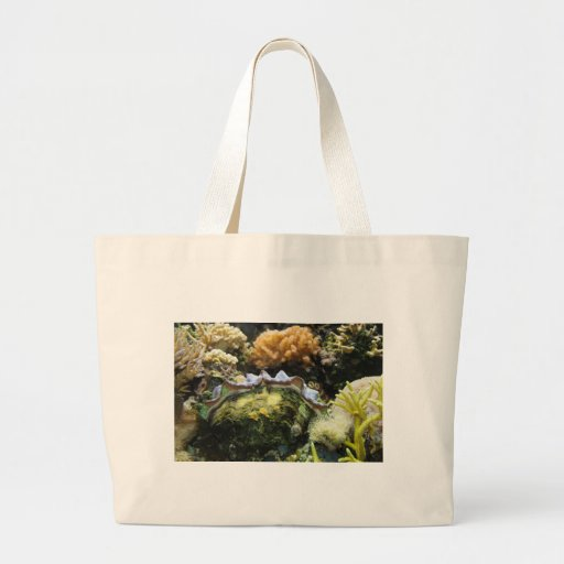 Giant Clam Tote Bags