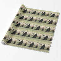 Giant panda holiday gift wrapping paper