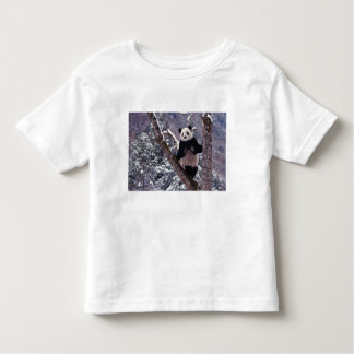 Giant Panda standing on tree, Wolong, Sichuan, T-shirt