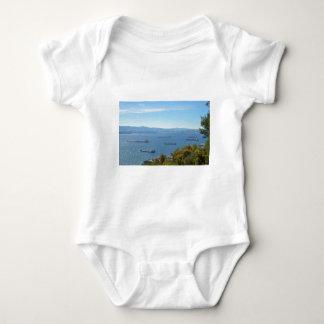 Gibraltar Anchorage desde arriba Camisas