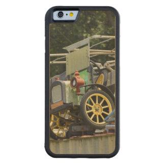 Gibtown Nostalgia Carved® Maple iPhone 6 Bumper Case