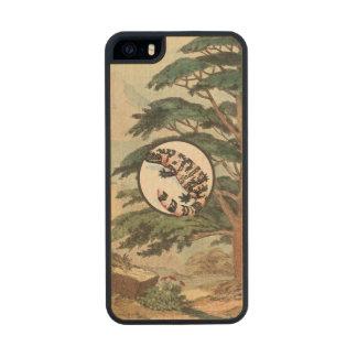 Gila Monster In Natural Habitat Illustration Carved® Maple iPhone 5 Slim Case