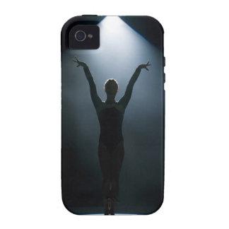 Gimnasta de sexo femenino que se realiza en el pro iPhone 4/4S fundas