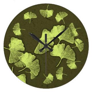 Ginkgo Leaves Round Clock