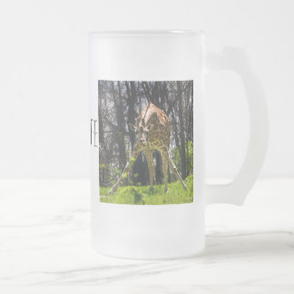 Giraffe Bowing Frosted Glass Beer Mug