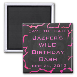 Giraffe Hot Pink and Black Print Magnet