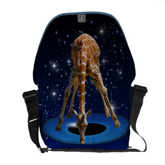 GIRAFFE IN CREATION COURIER BAG