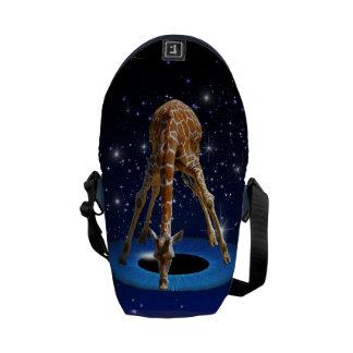 GIRAFFE IN CREATION MESSENGER BAG
