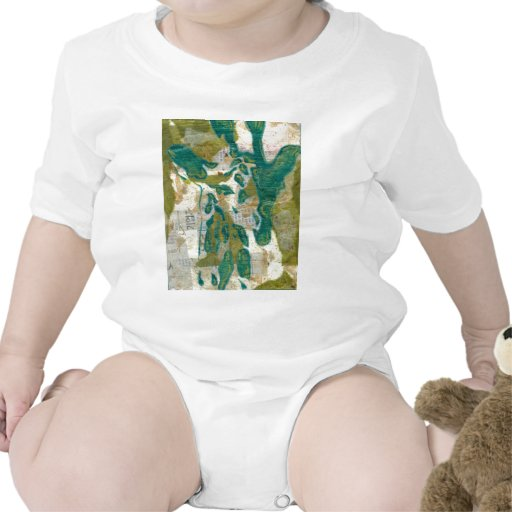 Giraffe in the Trees T-shirts