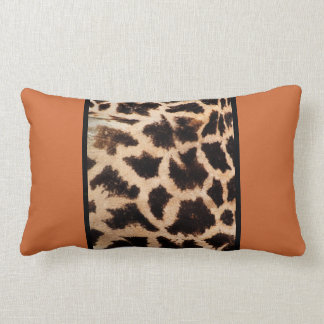 Giraffe Lombar Throw American MoJo Pillow