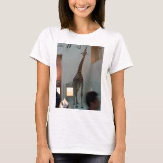 Giraffe, luckier than Marius; model 3 T-Shirt