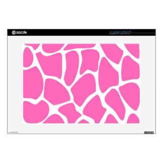 "Giraffe Print Pattern in Bright Pink. 15"" Laptop Skins"